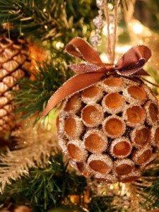 3 DIY Christmas Ornaments You Can Make At Home